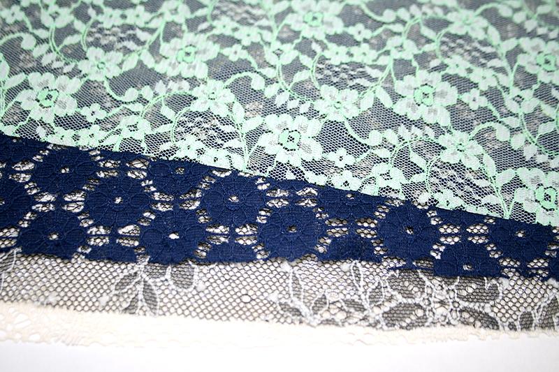 爽やかな編み模様、ラッセルレースの魅力